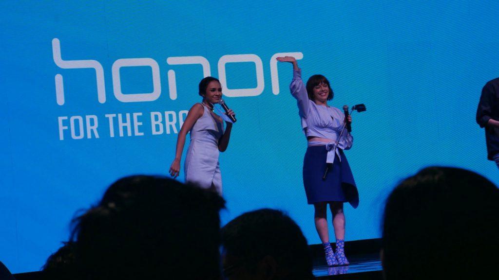 Lenka At Grand Launching Honor Smartphone